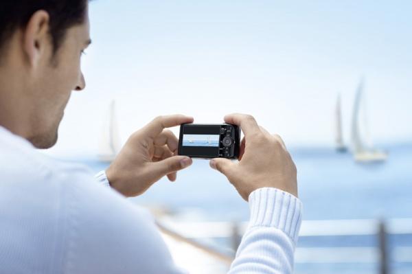 Sony представила 5 новых 16,2 МП 3D-фотокамер