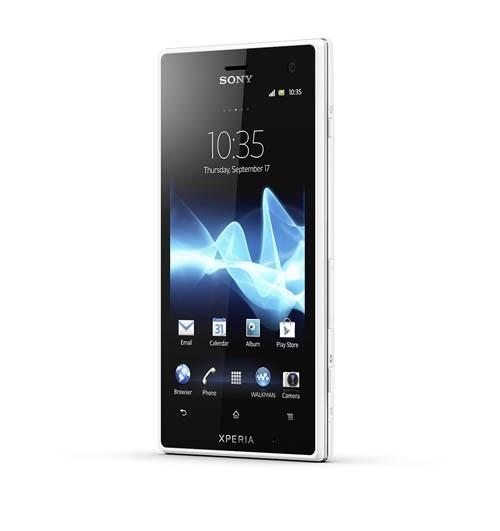 Sony подает напитки со смартфоном Xperia acro S