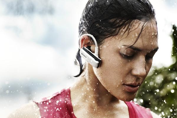 Sony представила всепогодный плеер Walkman W250
